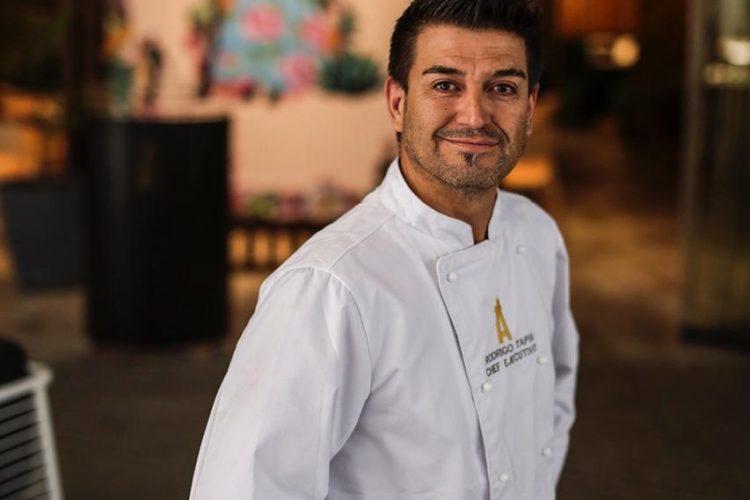 Sobre Mi Amigo El Chef Rodrigo Tapia, Lolita Jones Y Los Tacos De Maíz